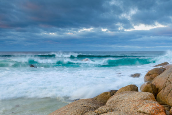Waves breaking at the Bay of Fires